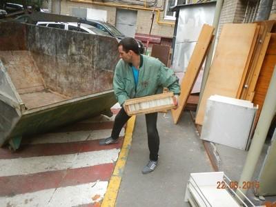 dscn0743 - Слом и демонтаж сантехкабины с вывозом мусора