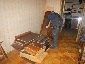razbiraem stenku 300x225 - Утилизация стенки