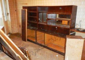 vyvoz stenki2 300x213 - Вывоз мебельной советской стенки