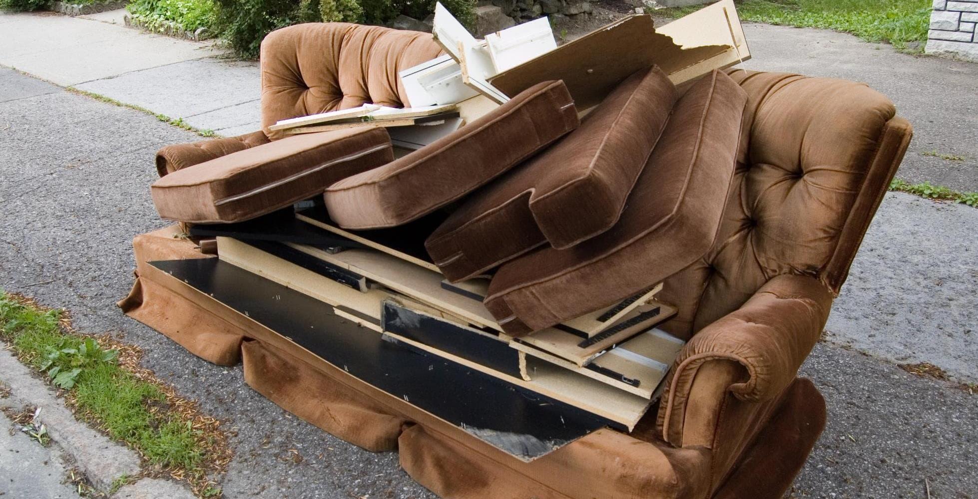 hard waste - Вывоз дивана на утилизацию