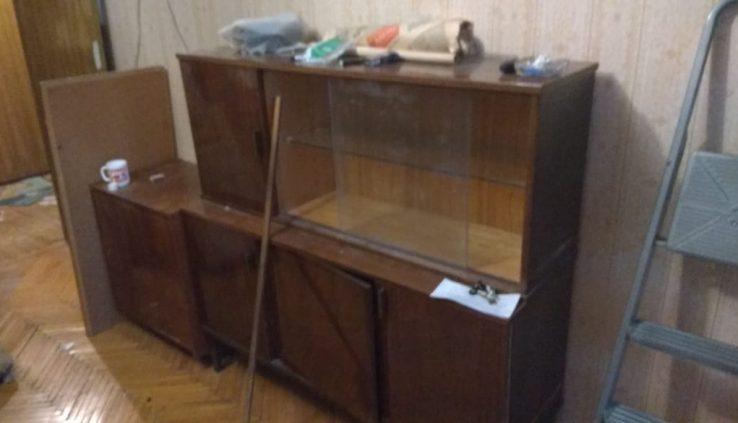 вывоз старой мебели от подъезда