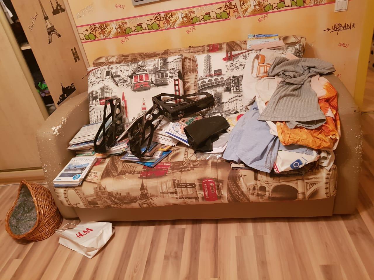 Можно ли ставить диван около помойки