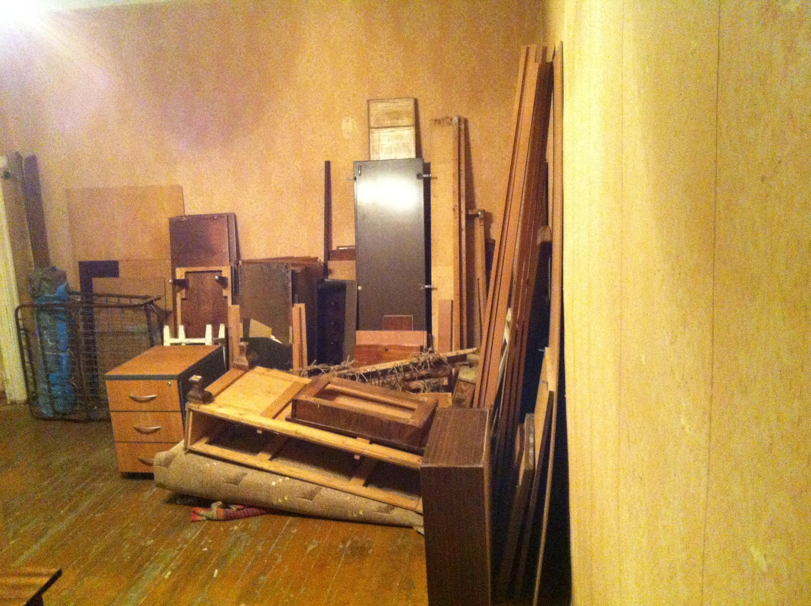 vykinut hlam iz kvartiry v moskve na svalku1 - Выкинуть хлам из квартиры в Москве на свалку